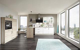 Wir für Sie – Image Küchenkombination Holz – Küchentraum Rohde